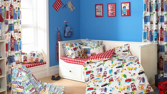 colorful-fabric-kids-room-curtains-set-on-the-window-and-as-bulkhead