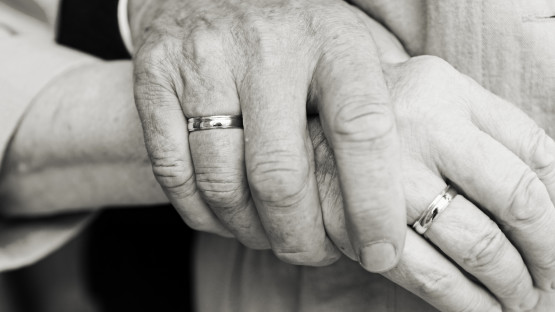 Old-hands_huffingtonpost.com_