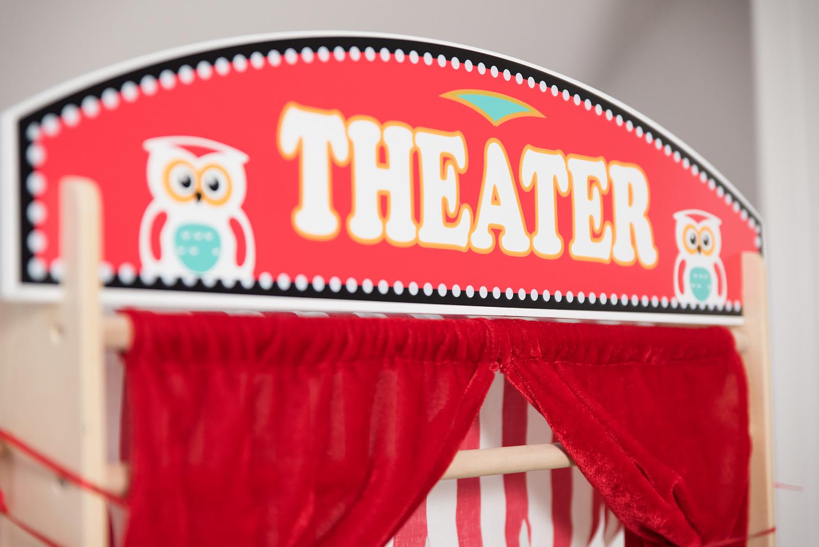 teatrzyk-drewniany-dla-dziecka