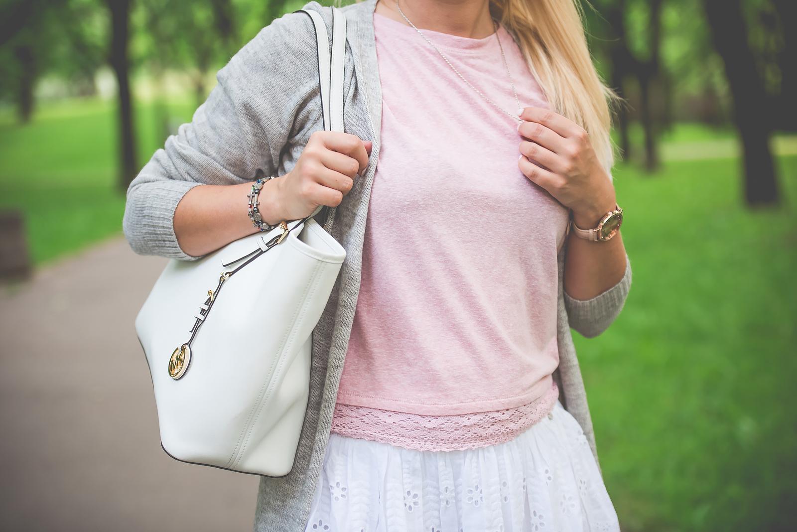 rozowa bluzka