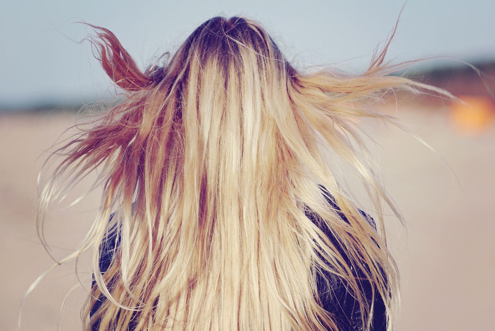 Красивые девушки русые волосы фото с сзади